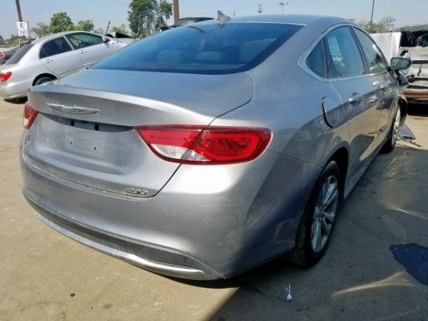 2015 CHRYSLER 200 LIMITED 2.4